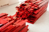 point of red / 4 -